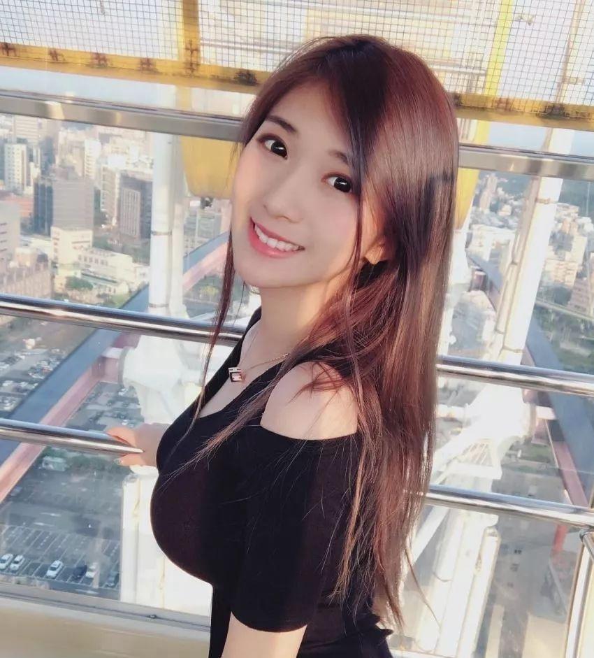 台湾网红辣妈谢薇安,性感身体分明是奼女!